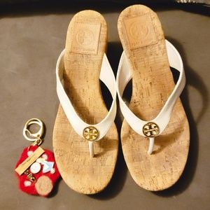 Tory Burch platform thongs sandals size 7 used